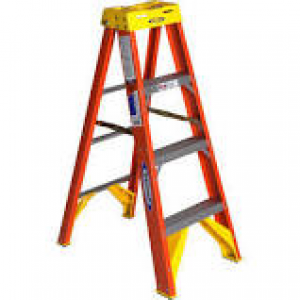 WER6204 - WERNER 4 FT. STEP LADDER